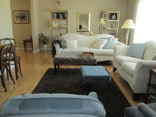 Photo 2: 3412 83 Street in Edmonton: Zone 29 House for sale : MLS®# E4238762