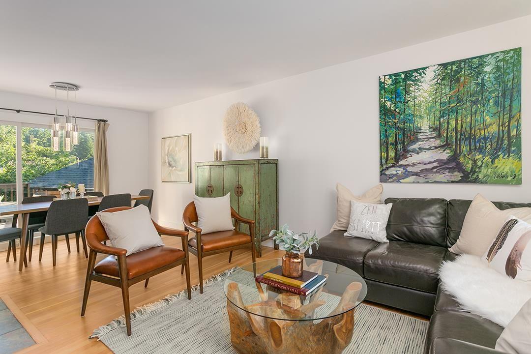Photo 2: Photos: 3049 ELIZABETH WAY in North Vancouver: Capilano NV House for sale : MLS®# R2400055