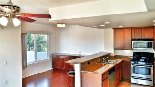 Photo 5: PACIFIC BEACH Townhouse for sale : 2 bedrooms : 1605 Emerald in San Diego