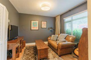Photo 2: 2022 FRASER Avenue in Port Coquitlam: Glenwood PQ Condo for sale : MLS®# R2179901