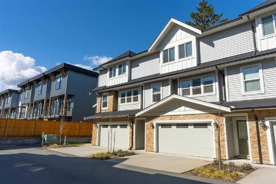 Main Photo: 11 45455 SPADINA Avenue in Chilliwack: Chilliwack W Young-Well Townhouse for sale : MLS®# R2585425