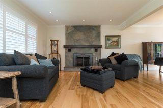 Photo 3: 14272 VINE Avenue: White Rock House for sale (South Surrey White Rock)  : MLS®# R2346927