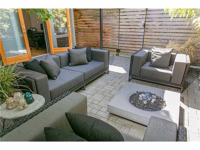 Main Photo: 2115 W 1ST AVENUE in Vancouver: Kitsilano 1/2 Duplex for sale (Vancouver West)  : MLS®# V1142221