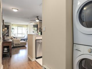 """Photo 5: 404 6745 STATION HILL Court in Burnaby: South Slope Condo for sale in """"SALTSPRING"""" (Burnaby South)  : MLS®# R2272238"""