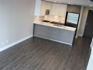 """Photo 3: 1705 2008 ROSSER Avenue in Burnaby: Brentwood Park Condo for sale in """"STRATUS AT SOLO DISTRICT"""" (Burnaby North)  : MLS®# R2436831"""