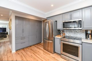 Photo 10: 2588 Ulverston Ave in : CV Cumberland House for sale (Comox Valley)  : MLS®# 859843