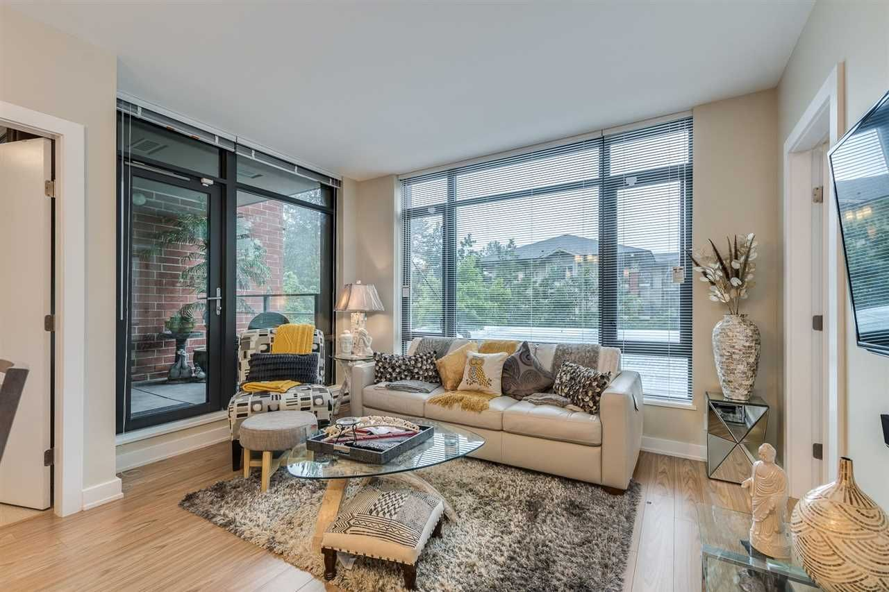 """Photo 7: Photos: 204 301 CAPILANO Road in Port Moody: Port Moody Centre Condo for sale in """"The Residences"""" : MLS®# R2474301"""