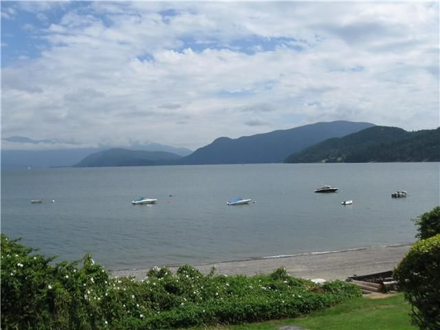 """Main Photo: 1106 POINT Road in Gibsons: Gibsons & Area House for sale in """"Hopkins Landing"""" (Sunshine Coast)  : MLS®# V987108"""