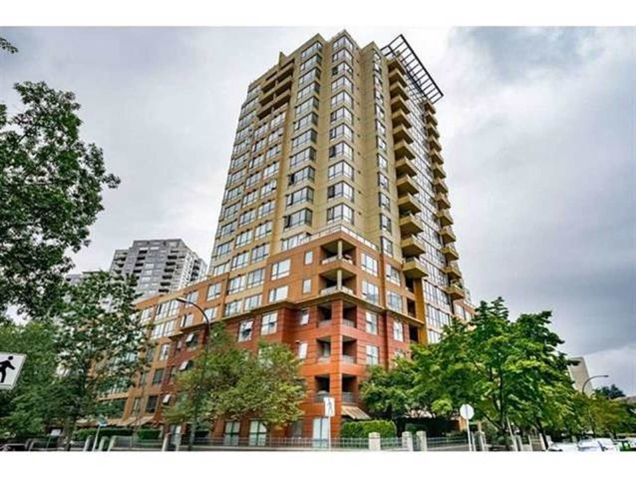 "Main Photo: 1507 5288 MELBOURNE Street in Vancouver: Collingwood VE Condo for sale in ""EMERALD PARK PLACE"" (Vancouver East)  : MLS®# R2473828"