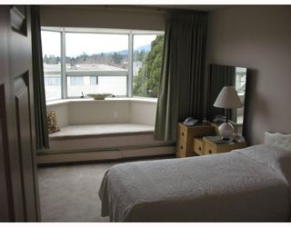 """Photo 2: 305 1550 CHESTERFIELD Avenue in North_Vancouver: Central Lonsdale Condo for sale in """"THE CHESTERS"""" (North Vancouver)  : MLS®# V694298"""