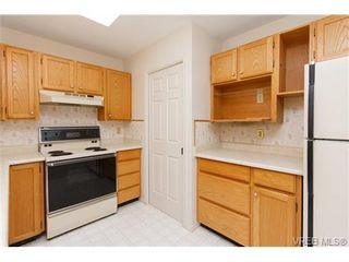 Photo 9: 56 901 Kentwood Lane in VICTORIA: SE Broadmead Row/Townhouse for sale (Saanich East)  : MLS®# 658953