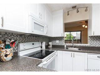 Photo 4: 10 4350 West Saanich Rd in VICTORIA: SW Royal Oak Row/Townhouse for sale (Saanich West)  : MLS®# 684838