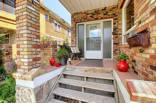 Photo 2: 1 2122 15 Street SW in Calgary: Bankview Semi Detached for sale : MLS®# A1117406