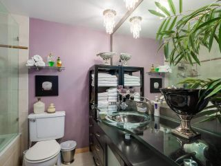 """Photo 14: 3011 LAUREL Street in Vancouver: Fairview VW Townhouse for sale in """"FAIRVIEW COURT"""" (Vancouver West)  : MLS®# R2058843"""