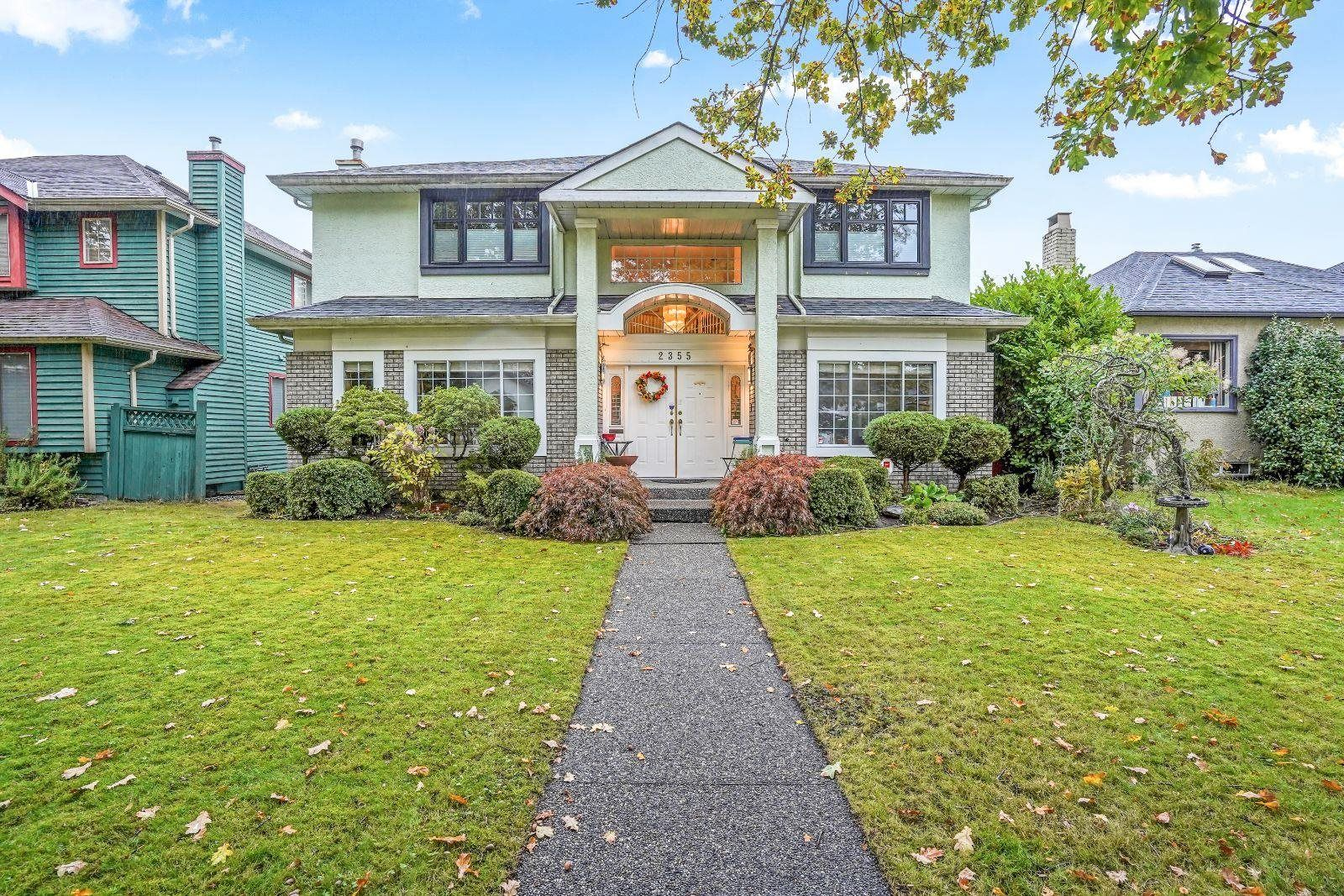 "Main Photo: 2355 W 13TH Avenue in Vancouver: Kitsilano House for sale in ""KITSILANO"" (Vancouver West)  : MLS®# R2625975"