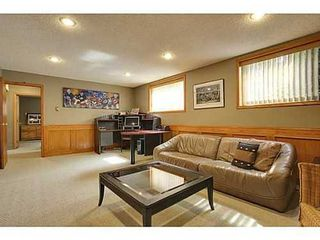 Photo 12: 6135 LONGMOOR Way SW in Calgary: Bi-Level for sale : MLS®# C3584023