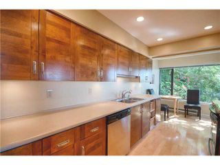 Photo 4: # 24 2242 FOLKESTONE WY in West Vancouver: Panorama Village Condo for sale : MLS®# V1011941