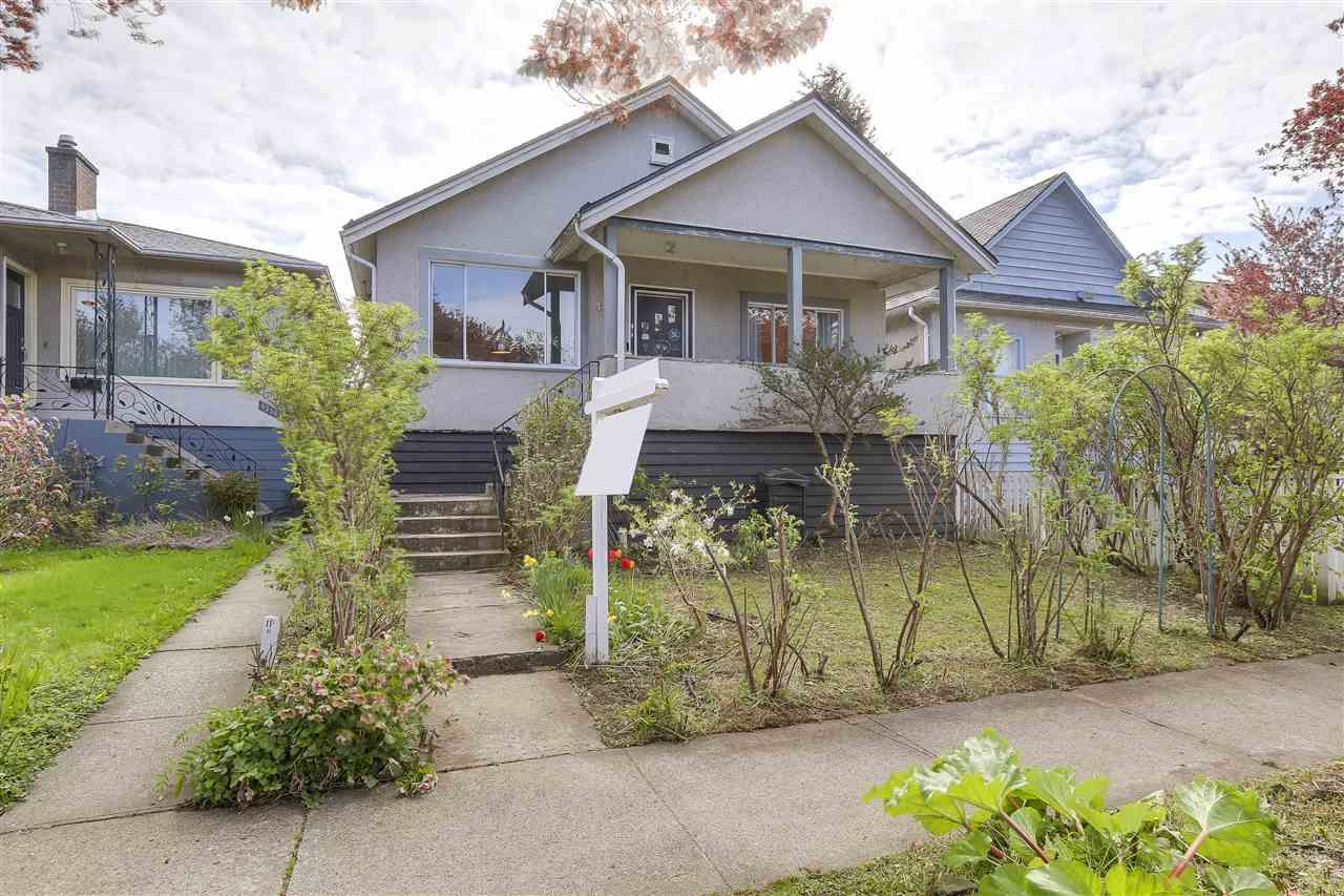 Main Photo: 4364 PRINCE ALBERT Street in Vancouver: Fraser VE House for sale (Vancouver East)  : MLS®# R2159879