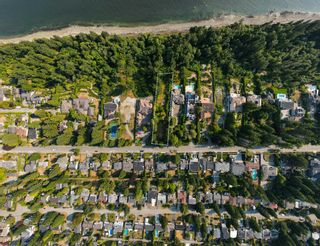 """Photo 4: 13808 MARINE Drive: White Rock Land for sale in """"Marine Drive Waterfront"""" (South Surrey White Rock)  : MLS®# R2611057"""