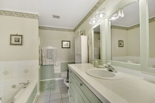 """Photo 12: 35679 TIMBERLANE Drive in Abbotsford: Abbotsford East House for sale in """"MOUNTAIN VILLAGE"""" : MLS®# R2393387"""