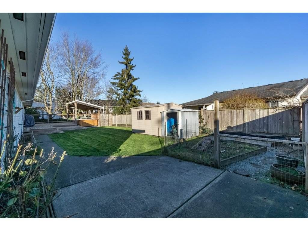 Photo 20: Photos: 6474 196 Street in Langley: Willoughby Heights House for sale : MLS®# R2239174