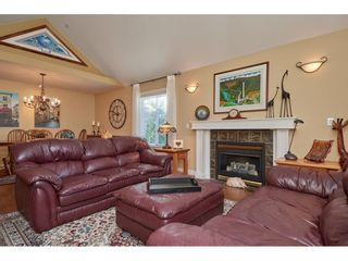"""Photo 5: 1424 BISHOP Road: White Rock House for sale in """"WHITE ROCK"""" (South Surrey White Rock)  : MLS®# R2540796"""