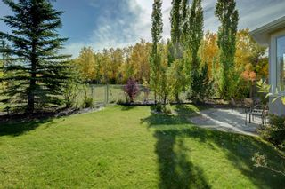 Photo 2: 4 Simcoe Close SW in Calgary: Signal Hill Detached for sale : MLS®# A1038426