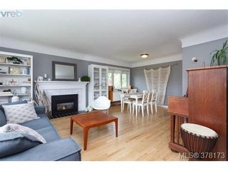 Photo 3: 580 OConnell Pl in VICTORIA: SW Glanford House for sale (Saanich West)  : MLS®# 759348
