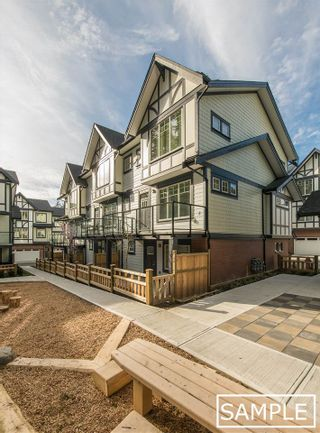 """Photo 3: 34 11188 72 Avenue in Delta: Sunshine Hills Woods Townhouse for sale in """"Chelsea Gate"""" (N. Delta)  : MLS®# R2448564"""