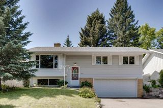 Photo 1: 5011 Vienna Drive NW in Calgary: Varsity Detached for sale : MLS®# A1130338