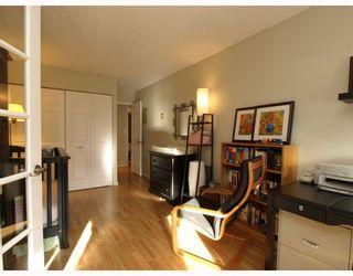 Photo 6: 205 4323 GALLANT Avenue in North Vancouver: Deep Cove Condo for sale : MLS®# V804910