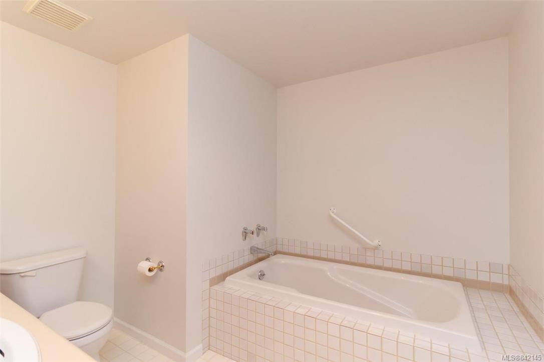 Photo 11: Photos: 322 3969 Shelbourne St in Saanich: SE Lambrick Park Condo for sale (Saanich East)  : MLS®# 842145