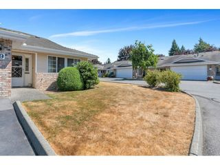 """Photo 3: 19 5051 203 Street in Langley: Langley City Townhouse for sale in """"MEADOWBROOK ESTATES"""" : MLS®# R2606036"""