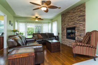 "Photo 5: 16901 FRIESIAN Drive in Surrey: Cloverdale BC House for sale in ""RICHARDSON RIDGE"" (Cloverdale)  : MLS®# R2025574"