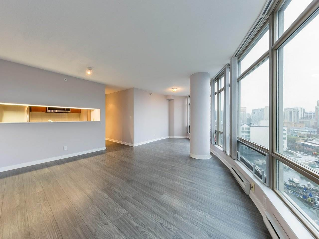 """Photo 10: Photos: 1202 1200 ALBERNI Street in Vancouver: West End VW Condo for sale in """"Palisades"""" (Vancouver West)  : MLS®# R2527140"""