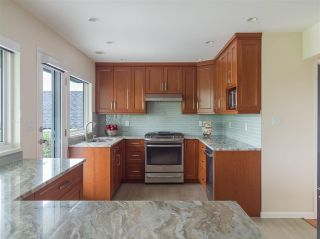 Photo 11: 4229 GLENHAVEN Crescent in North Vancouver: Dollarton House for sale : MLS®# R2465673