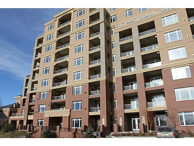 Main Photo: 3205 24 HEMLOCK Crescent SW in CALGARY: Spruce Cliff Condo for sale (Calgary)  : MLS®# C3554343