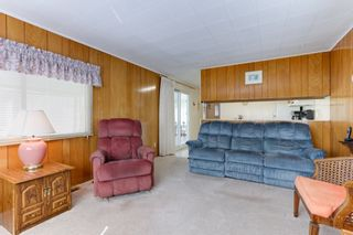 Photo 4: 52 9080 198 Street: Manufactured Home for sale in Langley: MLS®# R2562406