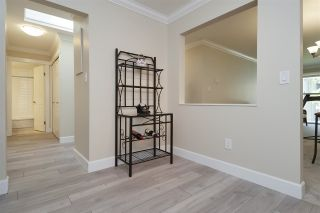 """Photo 9: 304 1459 BLACKWOOD Street: White Rock Condo for sale in """"CHARTWELL"""" (South Surrey White Rock)  : MLS®# R2393628"""