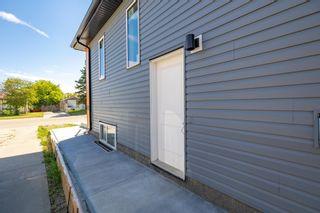 Photo 3: 10334 159 Street in Edmonton: Zone 21 House Half Duplex for sale : MLS®# E4261776