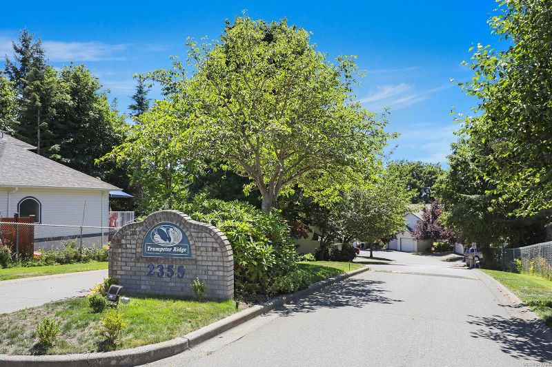 FEATURED LISTING: 39 - 2355 Valley View Dr