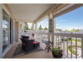 """Photo 3: 401 22022 49 Avenue in Langley: Murrayville Condo for sale in """"Murray Green"""" : MLS®# R2591248"""