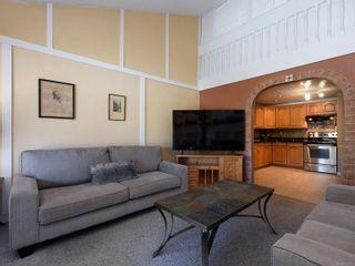 Photo 2: 402 1005 McKenzie Ave in : SE Quadra Condo for sale (Saanich East)  : MLS®# 873070