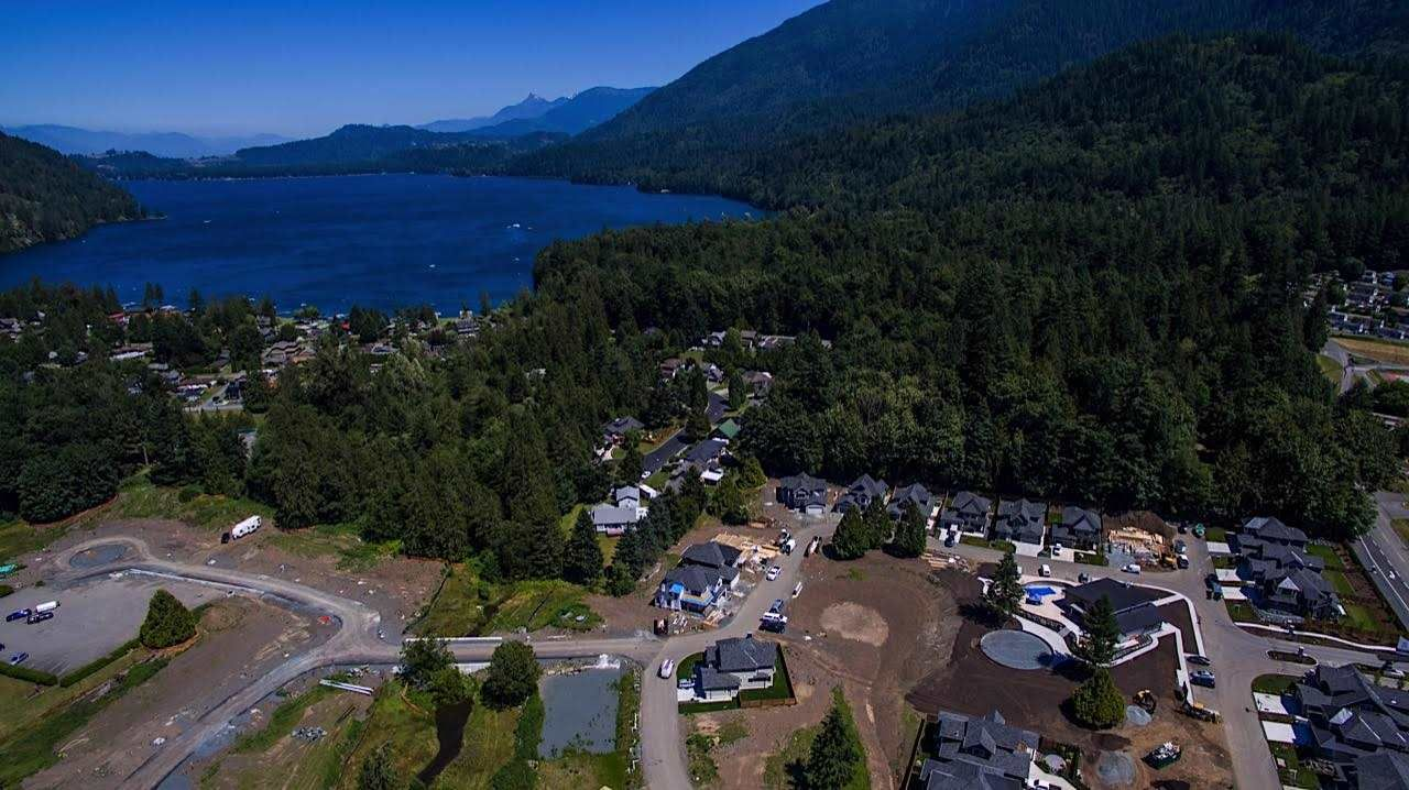 Main Photo: 59 1885 COLUMBIA VALLEY Road in Cultus Lake: Lindell Beach House for sale : MLS®# R2436909
