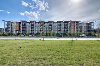 Photo 1: 404 10 Walgrove Walk SE in Calgary: Walden Apartment for sale : MLS®# A1149287