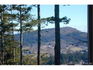 Photo 7: 303 940 Boulderwood Rise in VICTORIA: SE Broadmead Condo for sale (Saanich East)  : MLS®# 281040