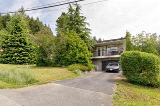 Photo 2: 111 JACOBS Road in Port Moody: North Shore Pt Moody House for sale : MLS®# R2590624