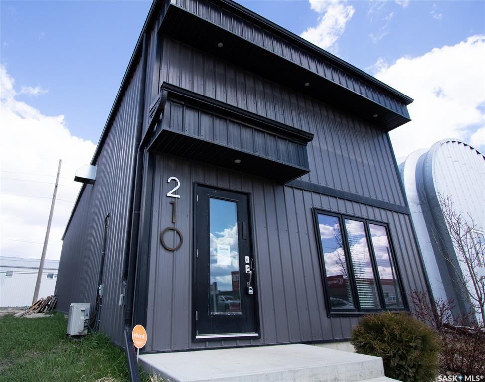 Main Photo: 210 Dewdney Avenue in Regina: Eastview RG Commercial for lease : MLS®# SK768460