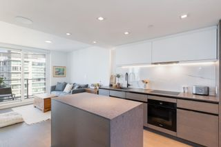 """Photo 5: 2305 620 CARDERO Street in Vancouver: Coal Harbour Condo for sale in """"CARDERO"""" (Vancouver West)  : MLS®# R2603652"""