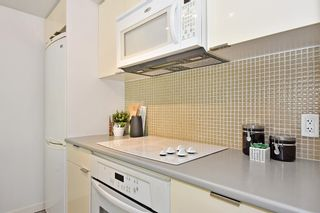 """Photo 12: 312 788 HAMILTON Street in Vancouver: Downtown VW Condo for sale in """"TV Towers"""" (Vancouver West)  : MLS®# R2364675"""
